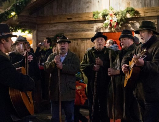 Stille Nacht! Heilige Nacht! gesungen in Tirol