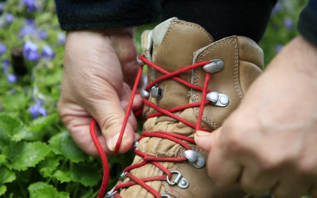Wanderschuhe binden leicht gemacht