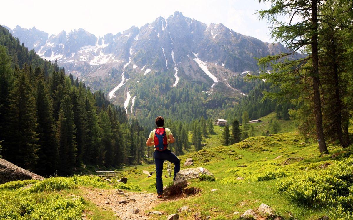 Ein Wanderer im Valsuganatal